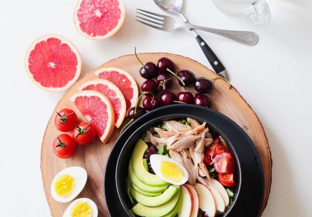 Gesunde Ernährung mit Gemüse und Obst